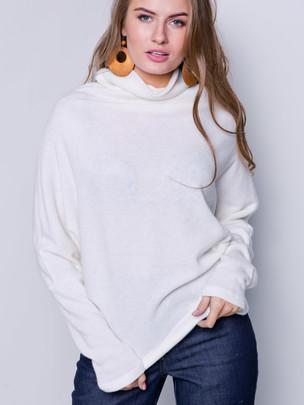 Рони свитер молочный