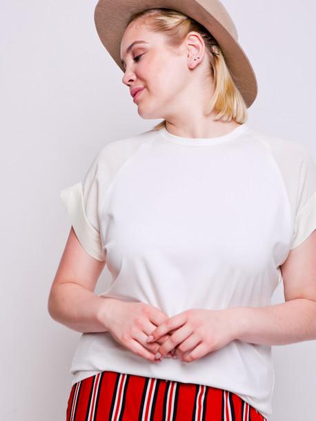 Голди футболка молоко