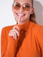 Ари свитер оранжевый