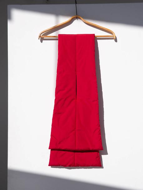 Одри шарф кармин